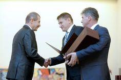 Dr. Bacskó György átveszi a Semmelweis díjat