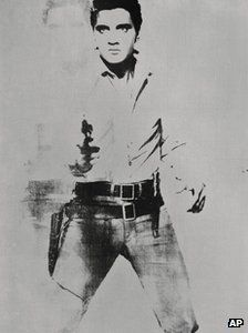 An Andy Warhol painting of singer Elvis Presley could fetch up to $ 50m when sold in a New York auction in May.