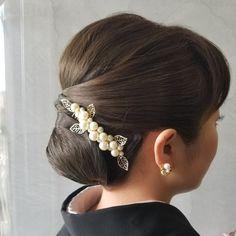 結婚式参列 留め袖 和服ヘアセット Roll Hairstyle, Bun Hairstyles, Wedding Hairstyles, Updo Styles, Long Hair Styles, Very Long Hair, Headpiece Wedding, Kimono, Hair Beauty