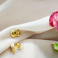 Small bubble sterling silver ear studs from Svane & Lührs. // Worldwide shipping EUR 5 //