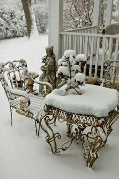 Romancing the Home: Heavy Snow Looks Like Cake Icing Winter Szenen, I Love Winter, Winter White, Winter Season, Winter Christmas, I Love Snow, Winter Images, Snowy Day, Snow Scenes