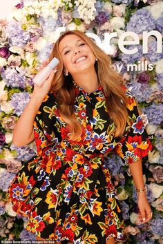 Millie Bobby Brown puts on a stylish display in a floral dress as she launches her beauty brand Go girl: Looking every inch the Hollywood star, Millie smiled for pictures as she rocked h. Millie Bobby Brown, Bobby Brown Stranger Things, Very Good Girls, Browns Fans, Hollywood Stars, My Idol, Celebs, Stylish, Floral