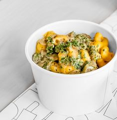 A delightful Mac Snack. Garlic and Onion Mac N' Cashew Cheese with the creamiest cashew cheese sauce! Cashew Cheese Sauce, Vegan Comfort Food, Vegan Restaurants, Plant Based Recipes, Whole Food Recipes, Onion, Garlic, Mac, Snacks