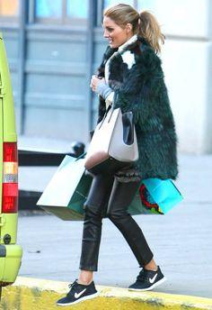 1/20 #オリビア・パレルモ #ファーコート #レザーパンツ #NIKE #スニーカー |海外セレブ最新画像・私服ファッション・着用ブランドまとめてチェック DailyCelebrityDiary*