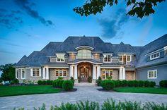 Love this facade. Custom Home Builders, Custom Homes, Future House, My House, Fachada Colonial, Villa, Dream House Exterior, House And Home Magazine, House Goals