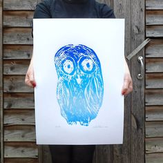 Oh what lovely creates cute, fun and inspiring greeting cards, prints and notebooks that will brighten up your day! Little Owl, Metallic Blue, Shades Of Blue, Screen Printing, Athena Goddess, Color Pop, Colour, Blue Bath, Paper