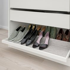 KOMPLEMENT Shoe insert for pull-out tray, light gray, cm. You can fit a lot of things into big drawers so you'll want a solution that helps you find what you are looking for, quick and easy. This combination is the perfect fit inside a KOMPLEMENT drawer Shoe Drawer, Pax System, Wardrobe Storage, Closet Storage, Shoe Rack In Closet, Shoe Closet Organization, Ikea Wardrobe, Understairs Shoe Storage, Shoes