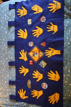 Cub Scout Hands Flag. Nice den activity. Cool.