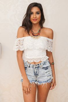 WHITE LACE OFF THE SHOULDER CROP TOP #ustrendy www.ustrendy.com