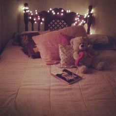 Best place in the world to read a book, watch a series or movies. Or simply spend hours relaxing  #read #series #movies #relaxing #place #love #life #goodvibes #myplace #quarto #meucanto #insta #tumblr #girl #instagirl
