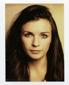 Aisling Bea. A comedian. Saw her on QI. Not very funny but very beautiful!