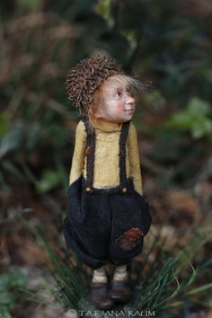 Rolfi is his name, he is a friendly cute pixie boy. He is one of a kind, sculptured by polymerclay. Size of Rolfi without the base Weird Creatures, Fantasy Creatures, Cute Cartoon Wallpapers, Woodland Creatures, Fairy Art, Fairy Dolls, Art Model, Faeries, Gnomes