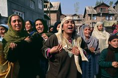 Sacred Heart: Women of Kashmir photographed by Steve McCurry
