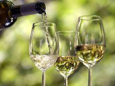 Witte wijn,liefst koud en zoet.♥