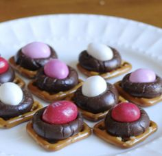Show your cutie you care with a batch of these Valentine Pretzel Kisses