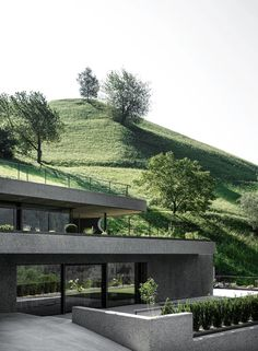 konoA renovates and extends 'house gasser' in south tyrol Italy Architecture, Residential Architecture, Contemporary Architecture, Concrete Building, Old Building, Exposed Aggregate Concrete, Reinforced Concrete, Alpine House, Concrete Sculpture