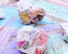 10 ARTISTIC WAYS TO PLAY WITH CHALK