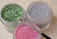 DIY edible glitter! This is such a neat and simple idea. Use this sparkly glitter when decorating kids' birthday cakes and cupcakes . PrintDIY Edible Sparkly Glitter in 5 Easy Steps Ingredients¼ cup raw sugar ½ teaspoon food coloring luster dustInstructionsMix sugar and food colouring in a bowl. Add luster …