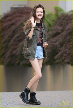 Ciara Bravo: 'Jinxed' Set With Elena Kampouris | ciara bravo jinxed set 03 - Photo
