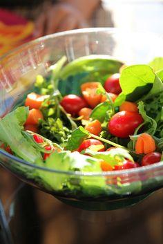 Terveellinen elämä, terveellinen elämäntapa, terveelliset elämäntavat, normaali nainen, normaali tyttö, terveellinen ruoka, kasvisruoka, luonnollisuus, vegaanin terveellinen elämä