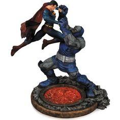 DC Collectibles Superman vs. Darkseid Statue (Second Edition)