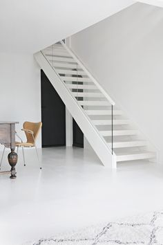 In someof my previous posts some of you readershave noticedthat there has been a change of stairs in my house, and I have received many questions abo...