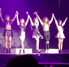Fifth Harmony bowing after their set