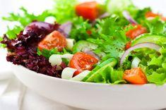 14 Receitas de Saladas Detox Para Melhorar a Digestão