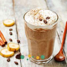 • 🎁 Cadeau: ma boisson cocooning préférée du monde !   ___ Voici ma recette de café caramel de coco - cannelle!  LE truc à essayer si tu aimes les boissons cosy-doudou🤗 !  📆 Cette recette est issue de mon ebook Drink It Hot! dont la sortie est prévue ce 01/12/2020.  #recette #recettedautomne #café #cafélatte #cosy #santé #naturopathe #naturopathie Smoothies, Girl Cooking, Pudding, French Girls, Desserts, Recipes, Food, Lifestyle, Drinks
