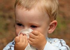 Some home remedies for cough and cold in infants can include giving breast milk, saline drops, a combo of garlic and bishop weed seeds, tomato and garlic concoction, honey, onion juice, camphor, pure garlic and mustard oil. A toothless grin that you baby beams at you, is all you need to drive away