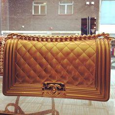3b7691c97bd2 90 meilleures images du tableau Chanel   Vintage chanel, Coco chanel ...