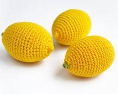 Crochet Lemon Pädagogisches Spielzeug Spielzeug Fake Food Play Food Crochet Fruit Pretend food Doll food cr Source by etsy ADS Fruits En Crochet, Crochet Food, Crochet Gifts, Diy Crochet, Pretend Food, Play Food, Toddler Girl Gifts, Doll Food, Fake Food