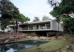 House in Cascais by Eduardo Souto Moura (2011 Pritzker)