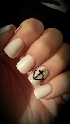 White powder acrylic nails with a black anchor design!♡