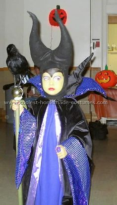 My daughter immediately wanted a homemade Maleficent costume after seeing the Maleficent movie at the drive-in this year. Done deal. You'll also find loads of homemade costume ideas and DIY Halloween costume inspiration. Halloween 2015, Halloween Costumes For Kids, Happy Halloween, Costumes Kids, Maleficent Halloween Costume, Maleficent Horns, Maleficent Movie, Malificent, Crab Costume