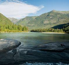 """Polubienia: 46, komentarze: 1 – Hasające Zające (@hasajacezajace) na Instagramie: """"Beautiful and wild valley of Kitoj River in Eastern Sayan Mountains, Siberia, Russia.…"""""""