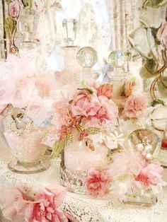 4 Victorious Clever Tips: Shabby Chic Home Ana Rosa shabby chic pillows romantic. Shabby Vintage, Rosa Shabby Chic, Shabby Style, Estilo Shabby Chic, Shabby Chic Living Room, Shabby Chic Bedrooms, Shabby Chic Cottage, Shabby Chic Homes, Shabby Chic Furniture