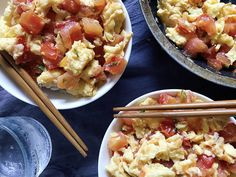 The Cooking of Joy: Tomato and Eggs over Rice (Updated) Sausage And Peppers, Stuffed Peppers, Rice Recipes, Healthy Recipes, Korean Beef Bowl, Chicken Over Rice, Small Tomatoes, Filling Food, Non Stick Pan