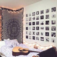 Teenage room decor ideas best teen room decor ideas on bedroom decor for decoration ideas for Small Room Bedroom, Trendy Bedroom, Diy Bedroom, Grunge Bedroom, Bedroom Black, Bedroom Girls, Design Bedroom, Rock Bedroom, Bedroom Inspo