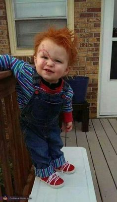 Chucky - Halloween Costume Contest via Nicole: I made this costume for my One year old toddler. I find it slightly annoying that all baby/toddler costumes are cute and UN horror related. Funny Kid Costumes, Old Halloween Costumes, Halloween Costume Contest, Halloween Outfits, Baby First Halloween, Halloween Kids, Halloween Zombie, Halloween 2015, Halloween Makeup