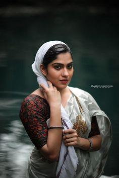 Beautiful Girl In India, Most Beautiful Indian Actress, Beautiful Women, Beautiful Girl Quotes, Beautiful Saree, Turbans, Beauty Full Girl, Beauty Women, India Beauty