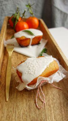 Saftiger Orangenkuchen mit Kokosfrosting - mandelmilchmaedchen