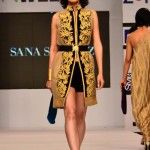 Sana_Safinaz_at_Fashion_Pakistan_Week_2012_Day_4_2
