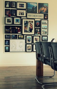 Mijn fotowand! Een MDF plaat van 12mm dik op de muur geschroefd. De plaat in dezelfde kleur als de muur geschilderd zodat hij zo min mogelijk opvalt. Hierna met kleine spijkertjes de fotolijsten opgehangen. Scheelt me heeeel veel gaten in mijn strak gestucte muur:)