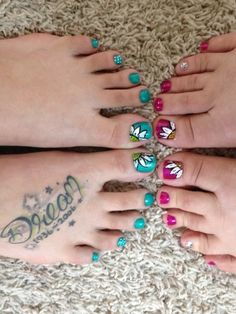 Who wouldn't ❤these sunflower toenails for summer! My talented daughter Shelby painted our mother/daughter toenails!