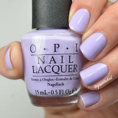 Semi-permanent varnish, false nails, patches: which manicure to choose? - My Nails Opi Nail Colors, Spring Nail Colors, Summer Pedicure Colors, Get Nails, How To Do Nails, S And S Nails, Lavender Nails, Lavender Nail Polish, Purple Nail Polish