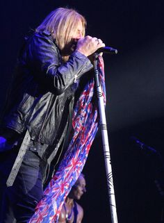 Def Leppard sizzles at Atlanta concert: review and photos | Atlanta Music Scene with Melissa Ruggieri
