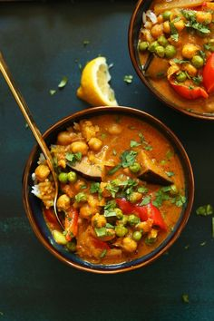 RED Vegetable Coconut Curry with Chickpeas! 1 pot, simple, SO flavorful! #vegan…