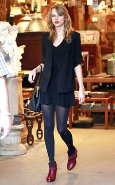 Taylor Swift's lips and shoes add a pop of color to her super cute look. #style