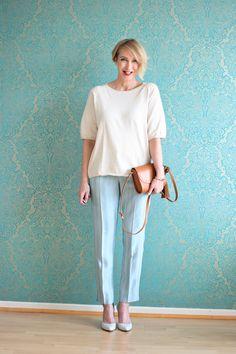A fashion blog for women over 40 and mature women http://www.glamupyourlifestyle.com/  Sweater: Zara Pants: Dorothee Schumacher Pumps: Pura Lopez Bag: Zara